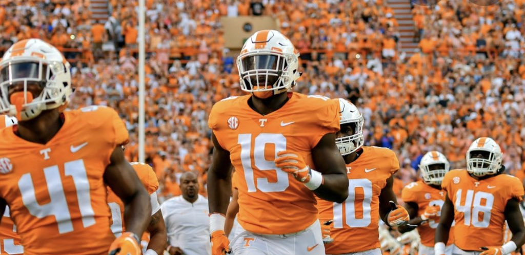 Very thankful to have been offered by the University of Tennessee!! Thank you @CoachOsovet and the Volunteers' staff for having this amount of faith in me!