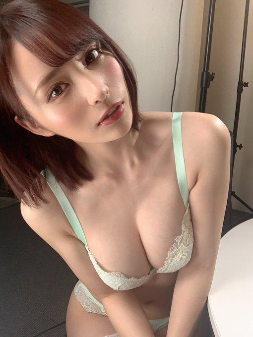 AV女優の自撮りエロ画像27