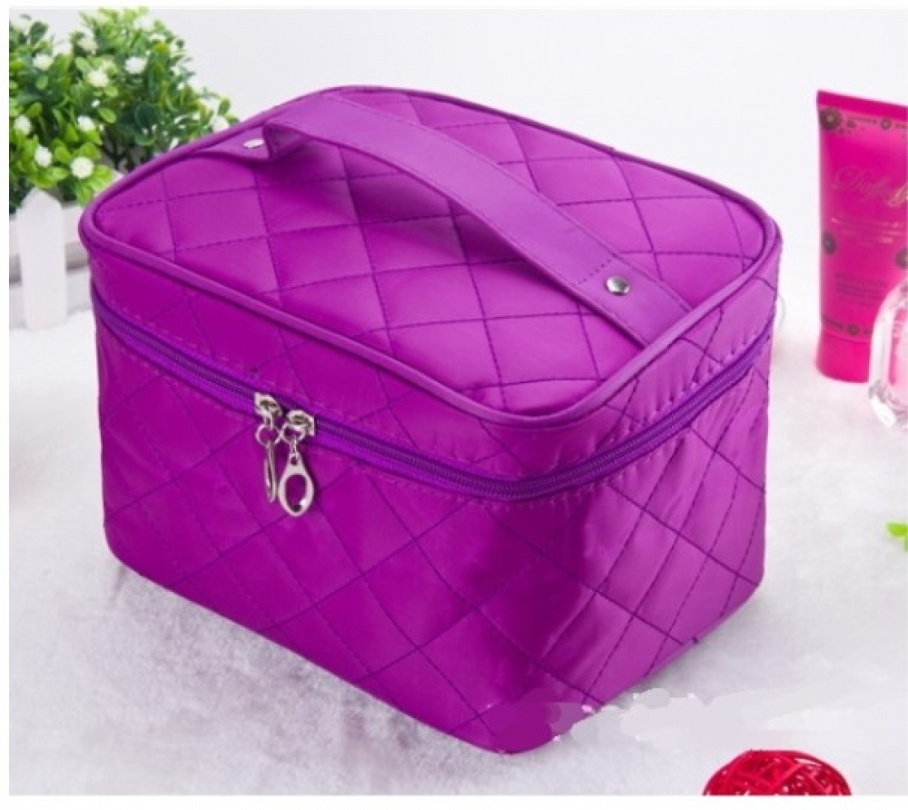#shop #accessories Quilted Design Large Capacity Cosmetic Bag