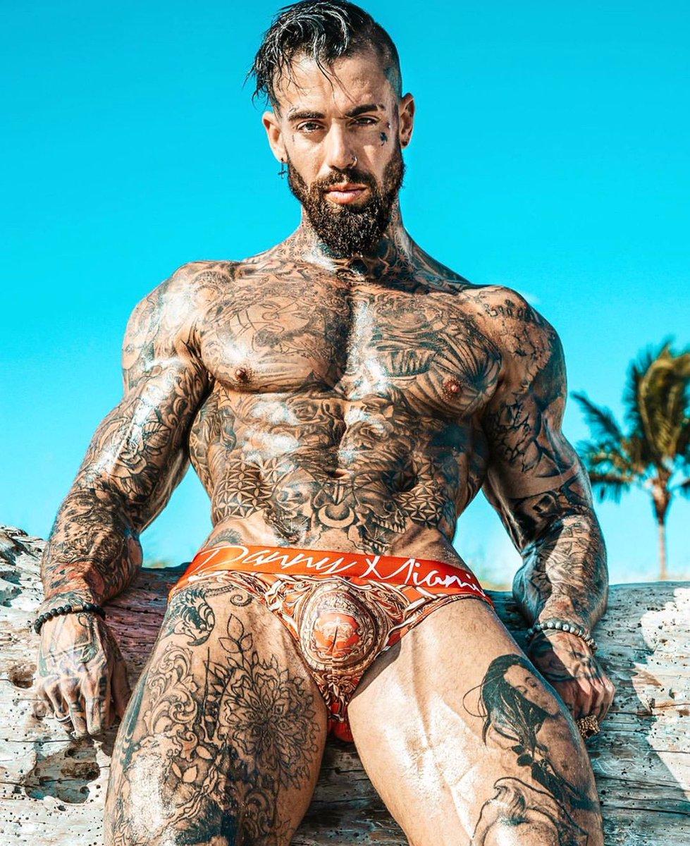 F L E M S H O W🤑@flemshow ❌❌ #shop #NOW photo by  Amazing pic giving you DM VIBES by @flemshow 🤑 👑 👑  #goodnightsummer #bikini #bikinilife #swimsuit #tan #tanlines #beachday #beach #beachdays #ocean #beachdayeveryday #beachbabe #wanderlust #swimming