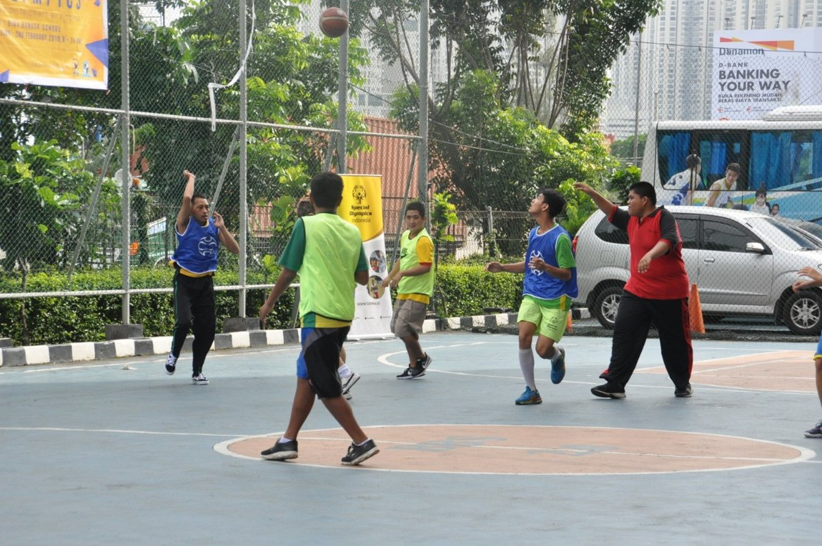 test Twitter Media - Leos and Lions in Jakarta promote social inclusion with @SpecialOlympics  Unified Basketball LEOLYMPICS 2.0 - allowing intellectually disabled athletes to meet with their nondisabled fellow athletes: https://t.co/VMmRXMvpbQ https://t.co/r0rf3HK1B9