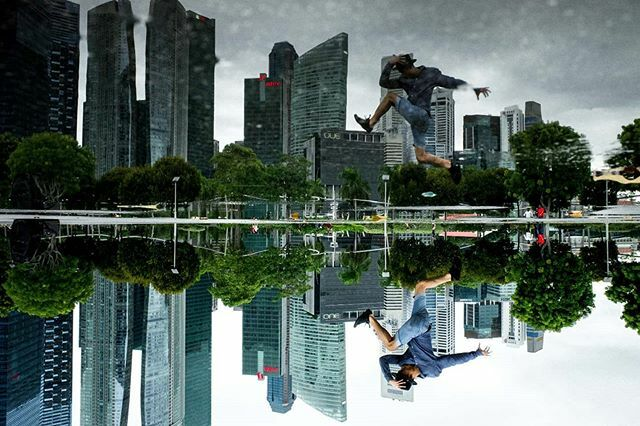 Super dope photo by @weet  Upon many years of reflection, fill in the blank  #reflection #leica #rain #reflectionphotography #breaking #jump #mirror #leap #Singaporepic.twitter.com/vTkmyPK5ZJ