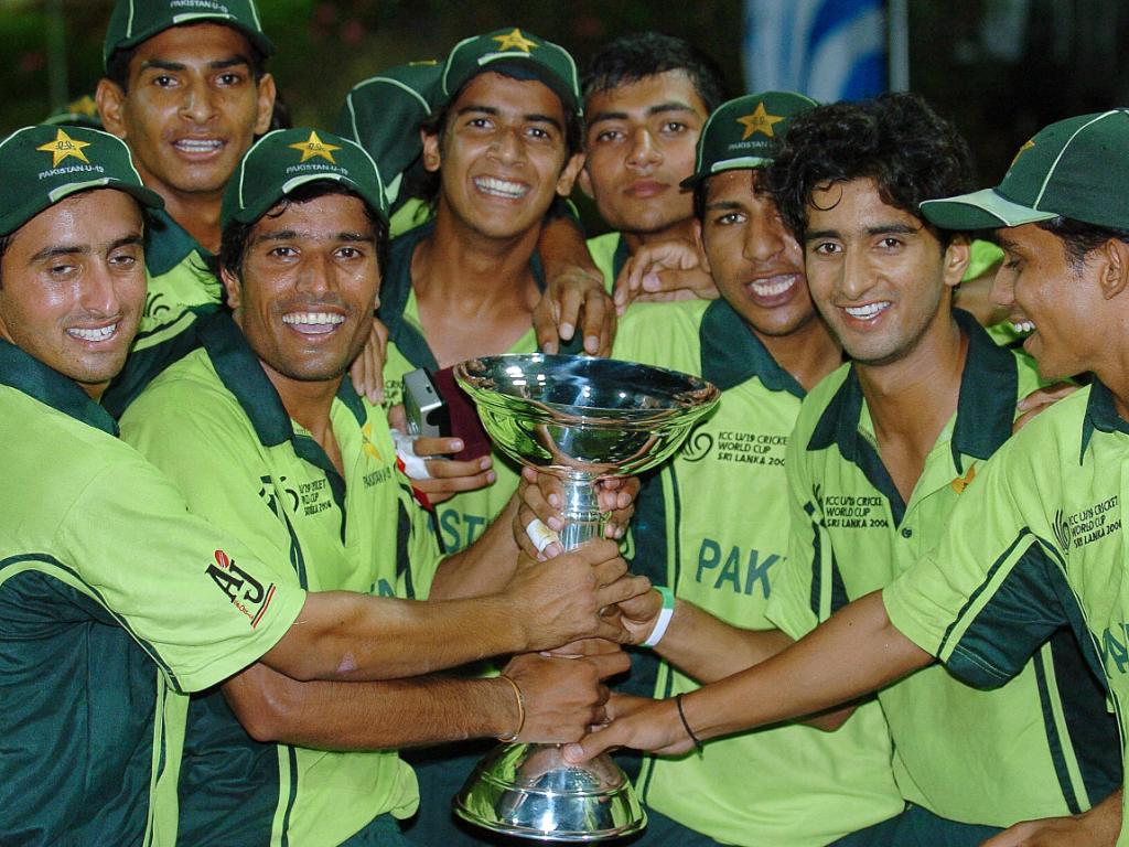 #OnThisDay in 2006, 🇵🇰 defeated 🇮🇳 in a low-scoring final, becoming the first team to clinch back-to-back ICC U19 Cricket World Cup titles.