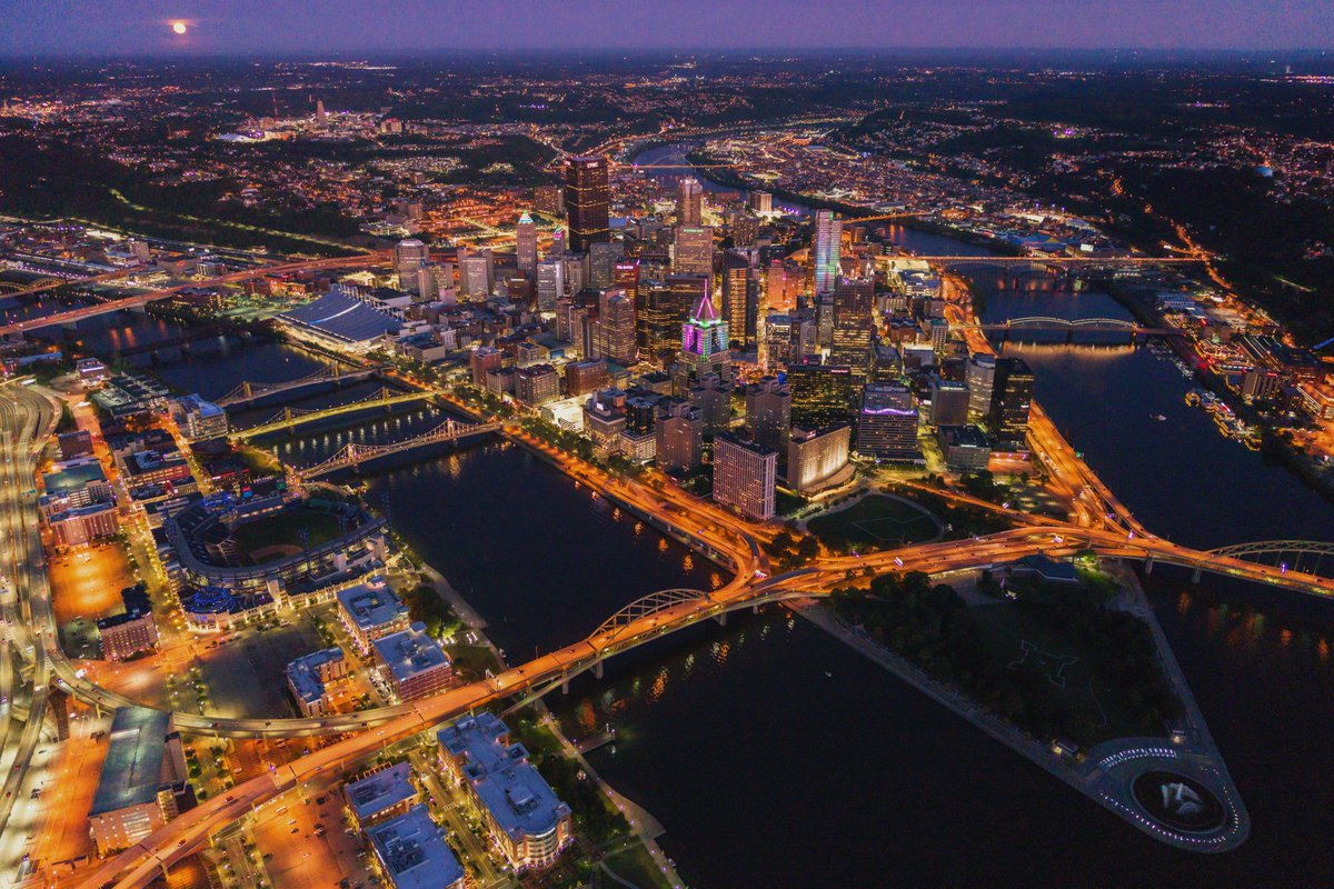 Still so many images to edit from my nighttime aerial shoots last year. While the head on view of #Pittsburgh from above is always a favorite, I really like the angle from above the North Shore as well. Gives the city some depth, and helps the buildings downtown to stand out. <br>http://pic.twitter.com/1grhI575Ud