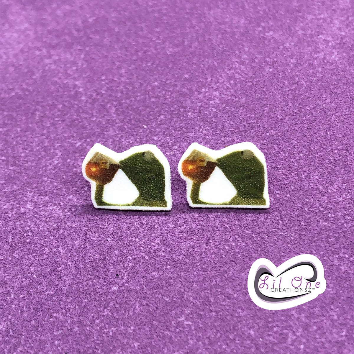 Kermit the Frog and his #tea SIP SIP! Lol  Available on my Etsy as earrings or a pin    Etsy Shop: https://www.etsy.com/shop/LiLONECREATiiONSZ… . #etsyshop #lilonecreatiionsz #handmade #meme #kermitmemes #kermit #kermitmeme #kermitthefrog #kermitsip #morningtea #tealover #thatsnoneofmybusinesspic.twitter.com/ij7Y7D4WeM