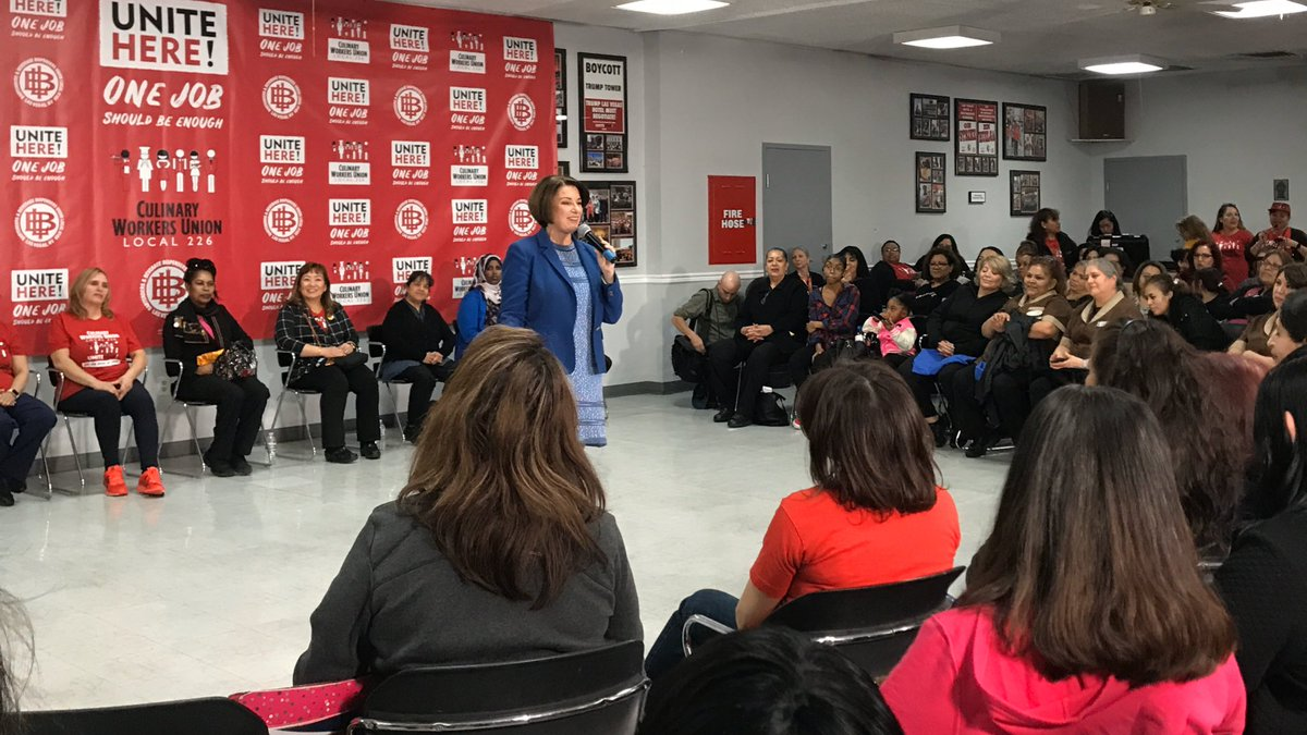 """Klobuchar speaks first. """"I stand on the shoulders of immigrants,"""" she says to @Culinary226, which has 60,000 members, more than half of whom are Latino. """"My grandpa came from a country called Switzerland."""" pic.twitter.com/sTFsABCClQ"""