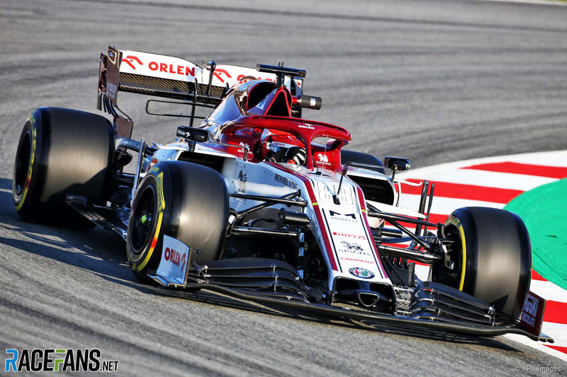 Robert Kubica is having his first run in the Alfa Romeo:.  More pictures here: https://www.racefans.net/2020/02/19/2020-pre-season-testing-day-one-in-pictures/ …  #F1