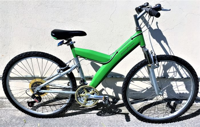 #essobike #shadow #wall #fotoshooting #kleinanzeigen #suspension #fullsuspension #mtb #mountainbike #trails #trailparadise #freeride #dirtjump #bikechallenge #classic #classicbike #cyclingpic.twitter.com/H3D2n6FAek
