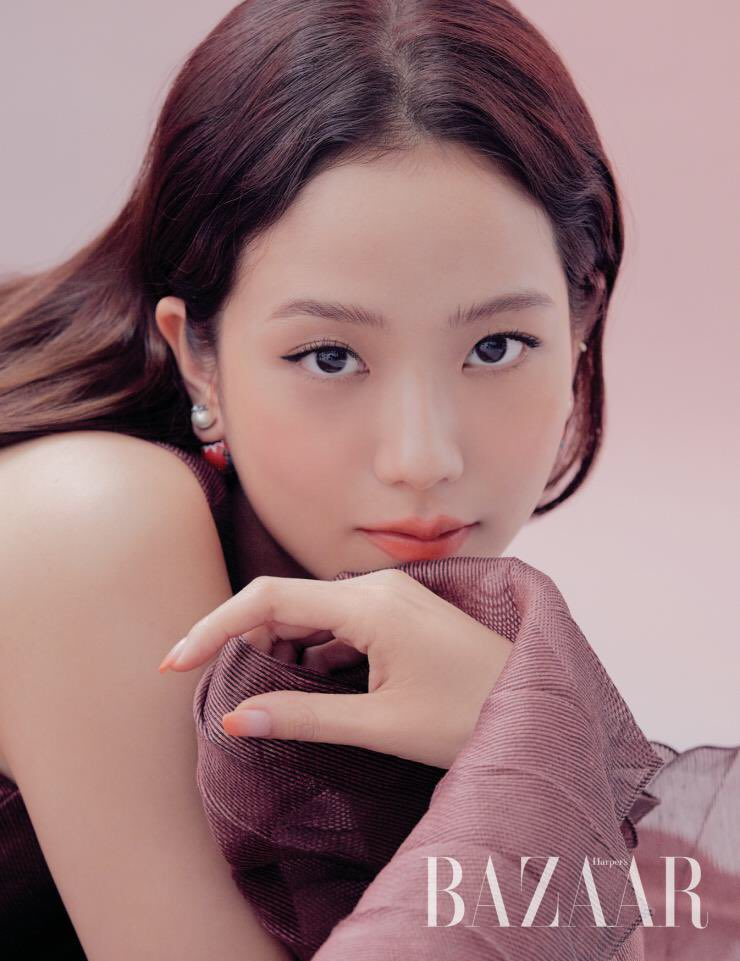DIOR BEAUTY'S HOLY TRINITY. BOW DOWN TO THE QUEEN KIM JISOO PEASANTS.  <br>http://pic.twitter.com/59Hkuysi0W