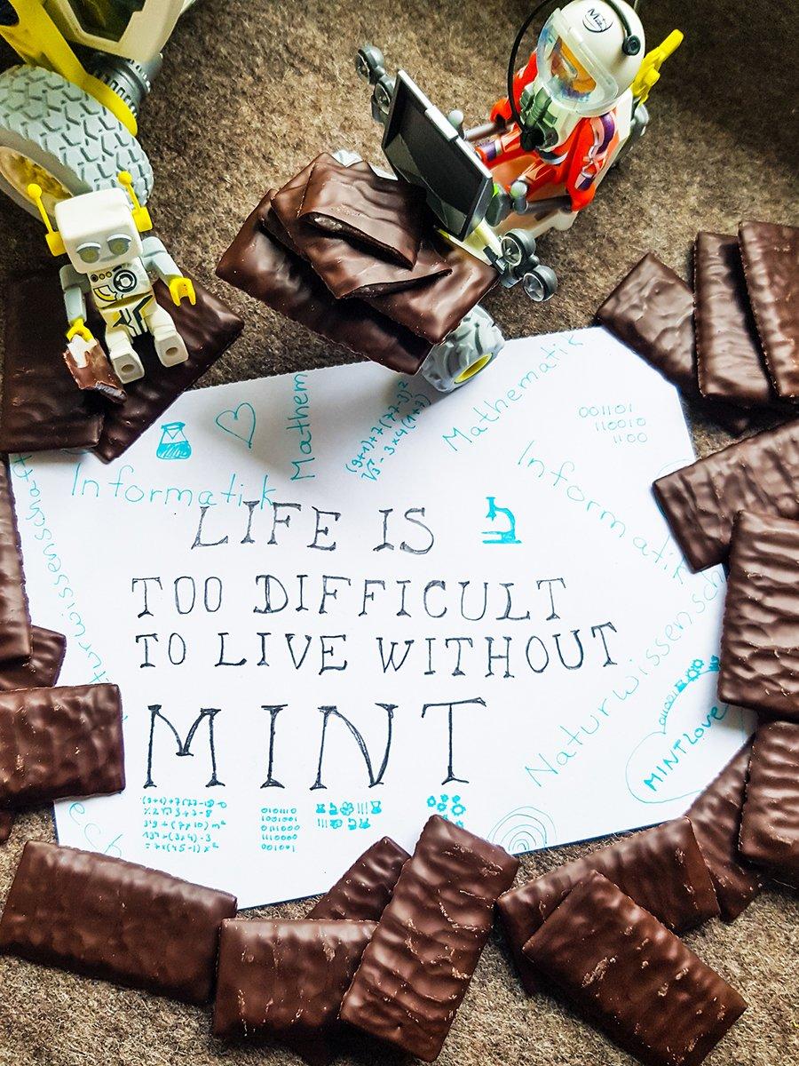 Bring some fresh MINT into your life.  Heute ist #TagderMinzschokolade. Da können wir natürlich nur an eines denken.  #MINT #chocolatemintday #mathematik #informatik #naturwissenschaften #technik #jointheteam #hiring #duhastunsgeradenochgefehlt #bestesoftwarecompanypic.twitter.com/2AdxL4FXml