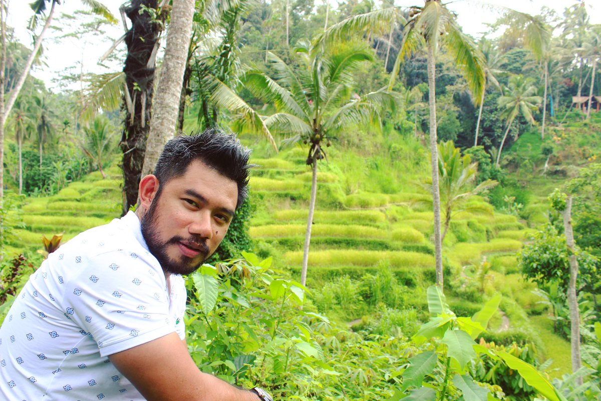 #nature always wears the colors of the spirit. - Ralph Waldo Emerson • • • #tegalalangriceterrace #bali #lovequotes #gogreen #gogreen#wisatabali #explorebali #pesonaindonesia #wonderfulindonesia #wisataindonesia #traveltheworld #mensfashion #ootd #mensstyle #menswearpic.twitter.com/x5ik8QLZye