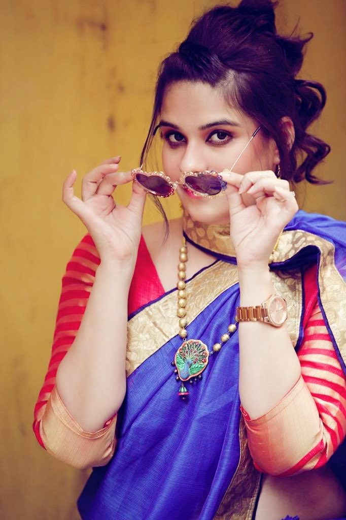 Life is too short to wear boring sunglasses in your twitter picture. #heartglasses #saree #fashionablelife #youthfulcollection #elegance #contemporary #kaithun #kotadoria #kotadoriasaree #summerwear #indian #magicofsixyards #JMS #worldofjms #costumedesigner #stylist #twitterpic.twitter.com/Q9C7VflER2