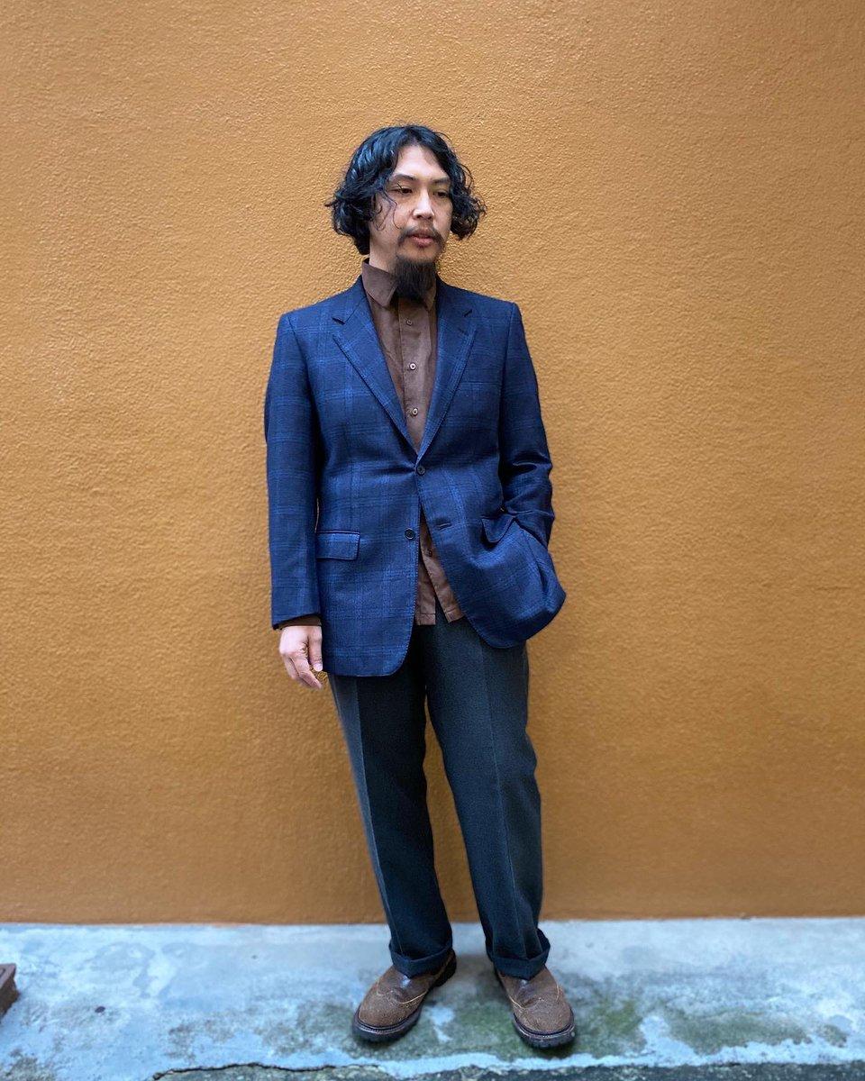 Pierre Cardin Loro Piana Tailored Jacketフランスのブランド、ピエールカルダン世界最高峰の高級ウール生地ロロピアーナ社のジランダーを使用したテイラードジャケットなめらかで高級感ある表情とキレイなシルエットカジュアル使いにも良いネイビーのグレンチェックかなりオススメです!!
