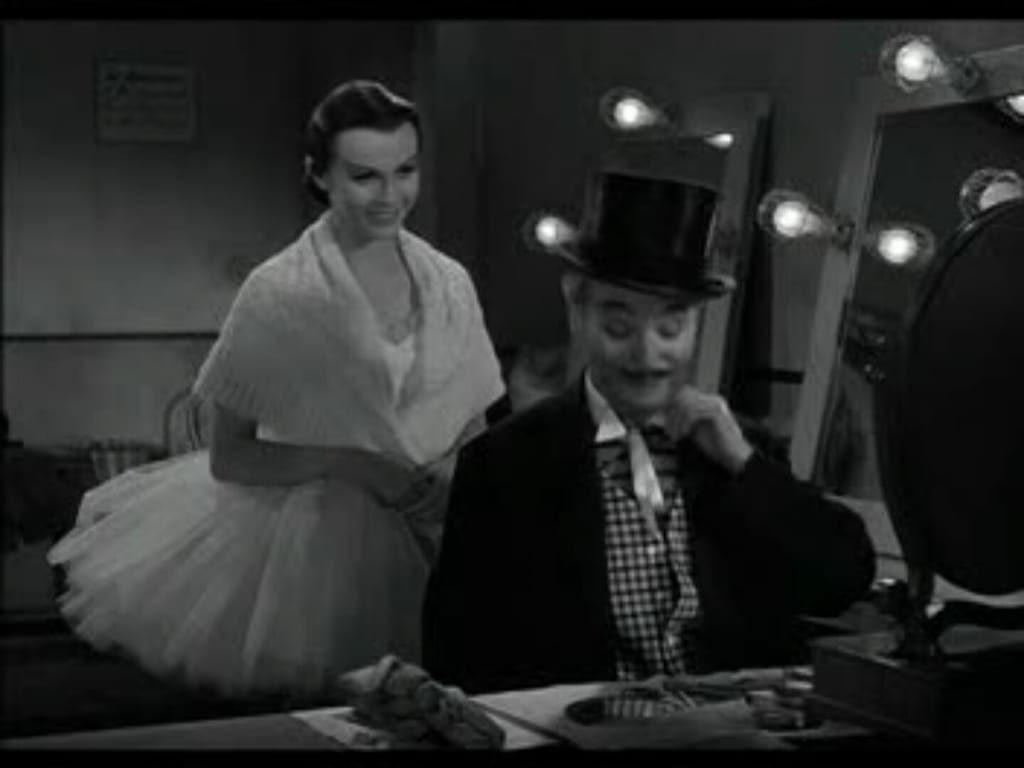 The first is the fictional Calvery, acted by Charlie Chaplin himself! If you haven't watched the classical movie Lime Light, please do!pic.twitter.com/32taeHOf50
