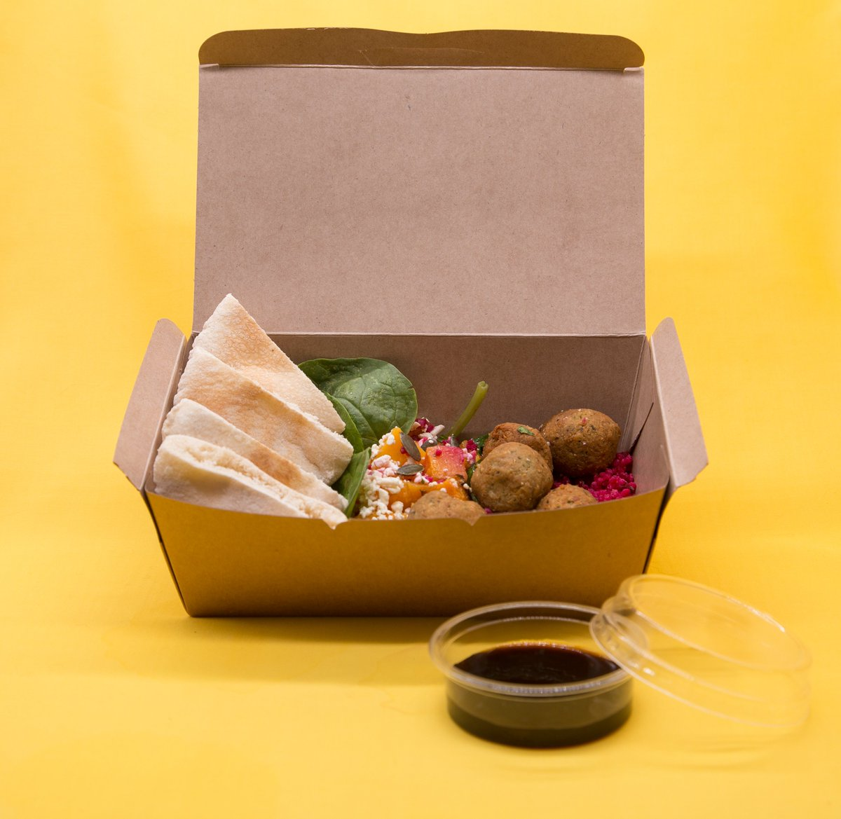 Everyone is loving the new constructed deli boxes! It saves time and the planet https://greenhome.co.za/kraft/  #Green #eco #ecofriendly #ecopackaging #Protecttheplanet #biodegradable #compostable #greenliving #Bagasse #greenfoodpackagingpic.twitter.com/63BQ1VXc4w