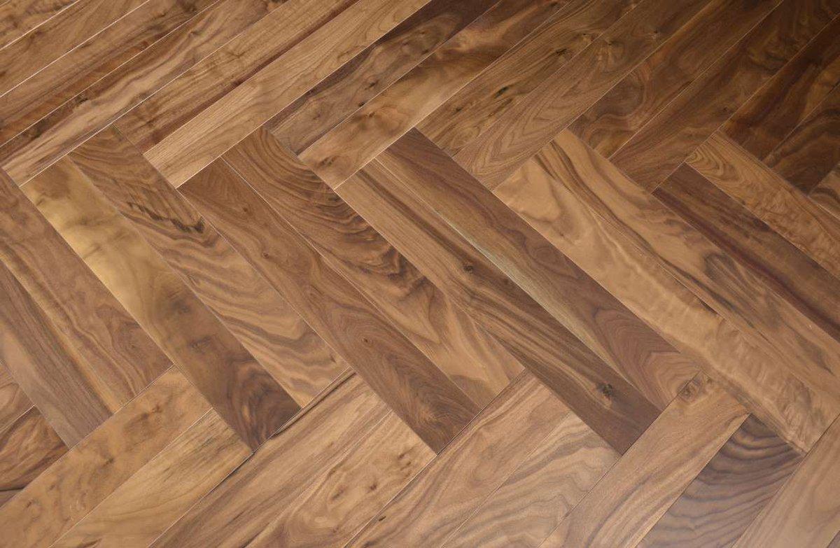 Horizontal and vertical, upright like humans. Although small, it creates greatness. #designparquet #interiordesign #designthinking #flooringdesign #flooringideas #floorcovering #builderschoice #parquetlove #design #woodfloor #Architect #InteriorDesignpic.twitter.com/5wIO32AuQC