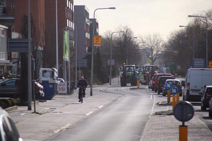 Ook vanuit Schipluiden zijn boeren op weg richting Den Haag gegaan. #boerenprotest https://t.co/fRhZZUT45t