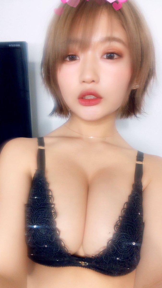 グラビアアイドル藤田もも 巨乳エロ画像