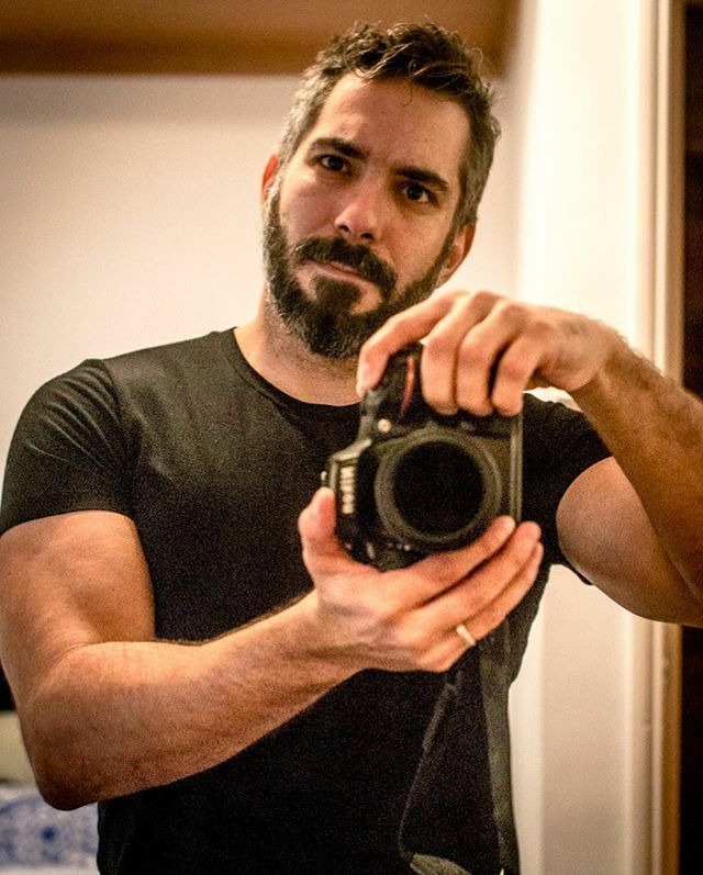 Inverted...  . . . . . . . . . . #mensportrait #beardo #barba #hunks #pecs #beardman #hunk #guyswithbeards #beardedlife #beardguy #welivetoexplore #oblogueiroafetado #speedo #beardseason #fanfab #hairychest #lumberjack #ootdmen #hairy #beardon #lumb… https://ift.tt/37EjLEdpic.twitter.com/kEe2VxhBq0