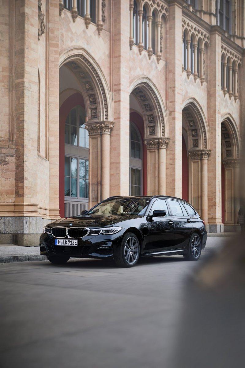 La gama electrificada BMW continúa creciendo: llega el BMW 330e xDrive Touring. Sensaciones impecables con espíritu sostenible. #ElectrifYou #THE3  👉🏻 http://bit.ly/2Zq0IJQ