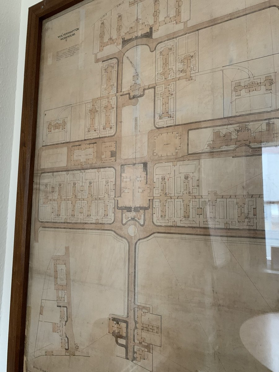 Yesterday I went to a meeting room I've never been to before and was amazed to see these old plans of the hospital @RWT_NHS not many of the buildings exist now but fantastic to see the history #nostalgia #workhousepic.twitter.com/x2m1p1Fe9M