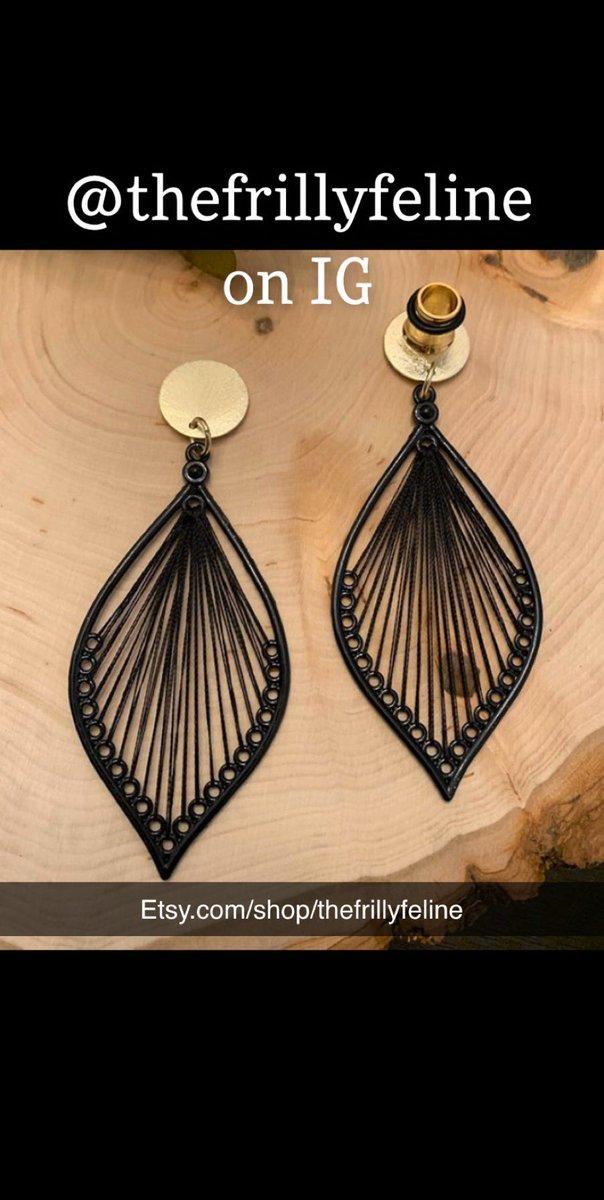 http://Etsy.com/shop/thefrillyfeline… #gauges #eargauges #gauge #gaugedears #girlswithgauges #earpiercings #earpiercing #earrings #plugs #plugearrings #dangleplugs #stretchedears #alternative #alternativegirls #piercings #girlswithpiercings #girlswithtattoos #jewelrypic.twitter.com/AgIHl0Rwdm