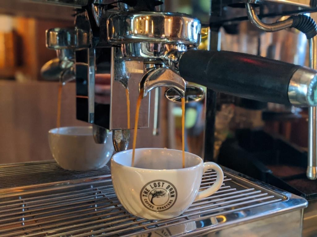 Call in for a cuppa?   When the wonderful weather means you need a warm-up! Our selection of coffees, hot chocolate and teas should do the trick. And if not, we've always got something stronger on offer.   #shippon #coffee #flavour #localsupplier pic.twitter.com/CuY6HYgW0b