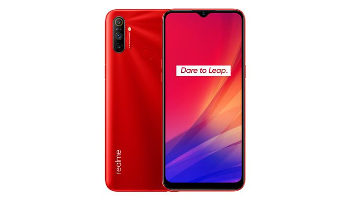 Realme C3 Rp 1,699,000  6.5-inch HD+ Display  MediaTek Helio G70  3GB RAM, 32GB storage 12MP f/1.8 main + 2MP portrait + 2MP macro triple-rear camera 5MP front camera Rear-mounted fingerprint scanner 5,000mAh batterypic.twitter.com/0wRa4Rpz5x