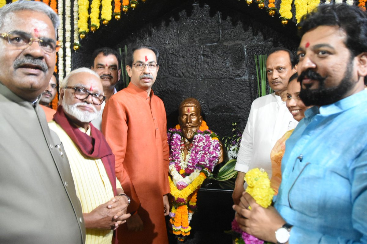 कार्यक्रमास अन्न व नागरी पुरवठामंत्री @ChhaganCBhujbal, सार्वजनिक बांधकाम राज्यमंत्री @bharanemamaNCP, माहिती व जनसंपर्क राज्यमंत्री @iAditiTatkare, खासदार @kolhe_amol, आमदार अतुल बेनके आदी मान्यवर उपस्थित