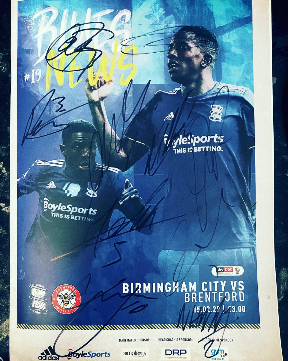 COMPETITION 🔵⚪️ Win a programme signed by our No.1 and the first team. To Enter:- Follow The Page ✅ Like this post ✅ Tag 3 friends ✅ Winner announced 23rd Feb. Free Uk Postage. Good Luck 😉 #keeprighton 🔵⚪️ #bcfc #kro #coybb #hammerdown #LeeCamp #WesHarding #win #competition
