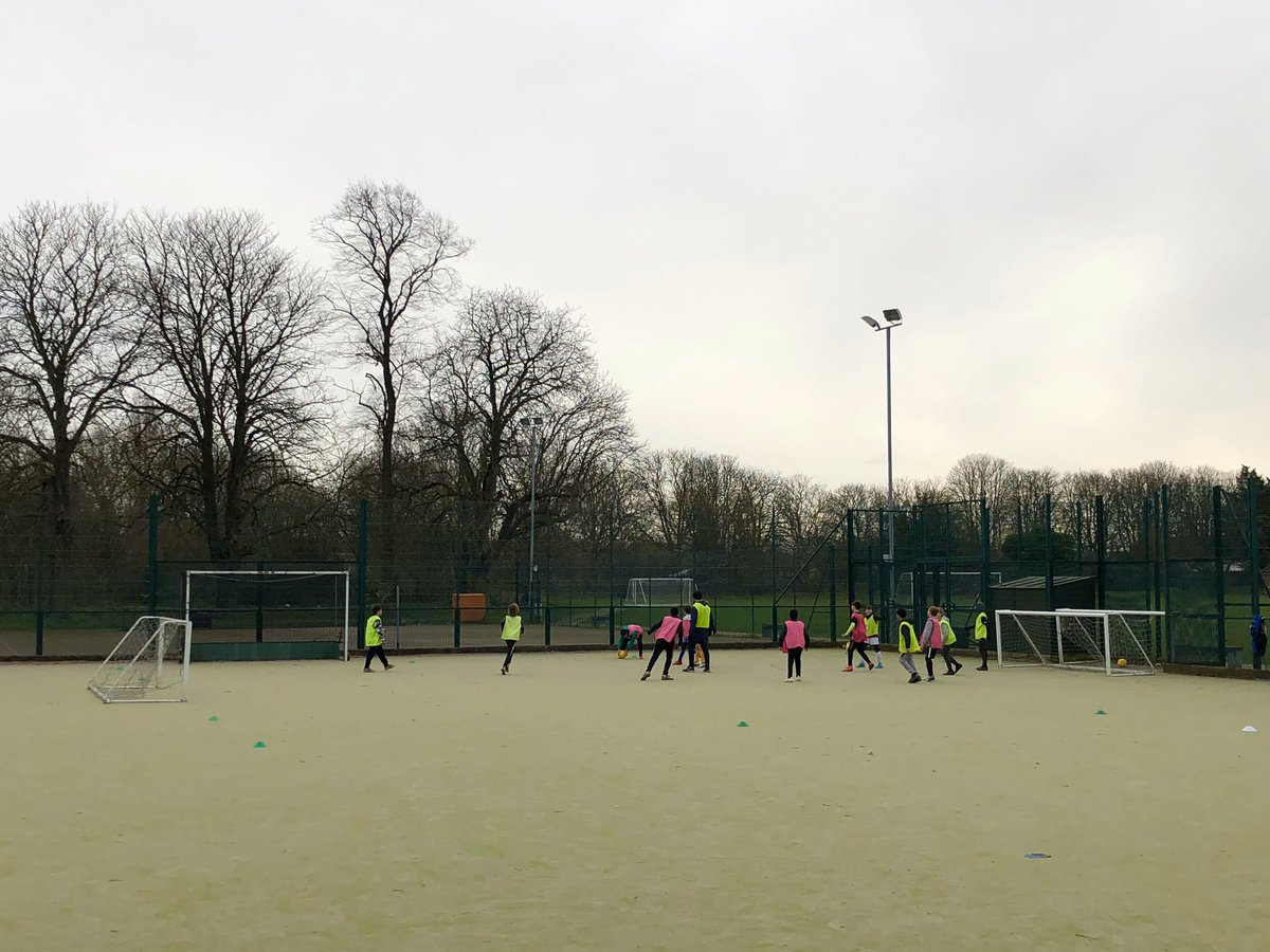 Wednesday afternoon tournaments. Well done to all for their efforts! #football #grassroots #letthemplay #southeastlondon #lewisham #greenwich #halftermfunpic.twitter.com/7Z1VdbZkMj