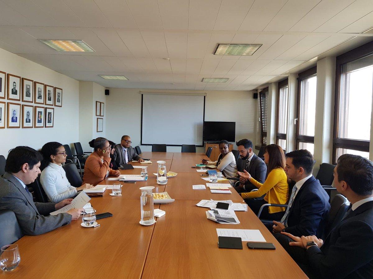 Em reunião com membros da @_CPLP promovida por @BrasDel Delbrasgen, delegado de @OMCBrasil falou sobre os benefícios da participação nas negociações do Acordo de Facilitação de Investimentos #WTO #trade #MC12