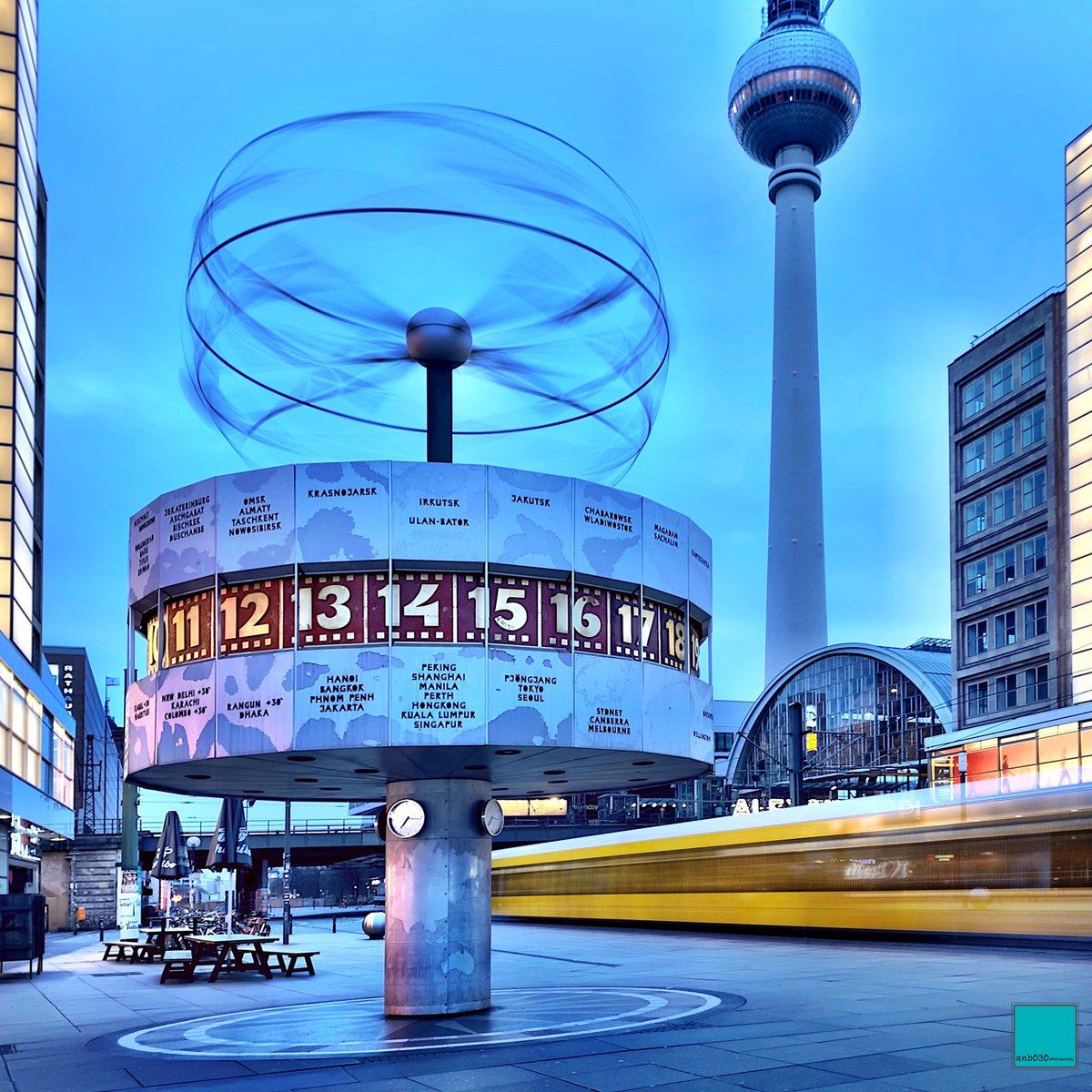 Morgens um 7 Uhr am #Alexanderplatz #Berlin!   @BVG_Kampagne #tram #Straßenbahn #berlinpage #diestadtberlin #weilwirdichlieben #topberlinphoto #visitberlin #urbanandstreet #urbanromantix #shotoniphone #Germany #travel #CityLife #BerlinLife #iPhone #StreetPhotography #longexposurepic.twitter.com/t2JEXJEyrn