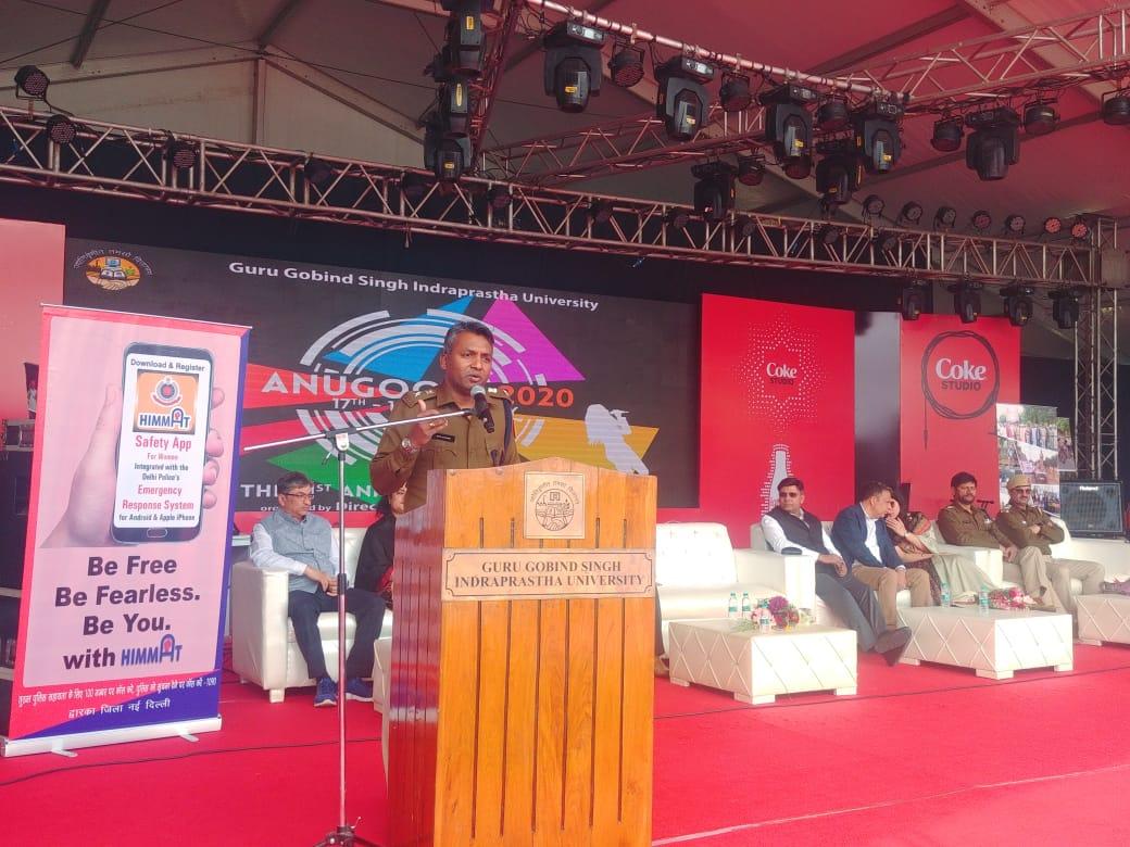 "Promotion & awareness about ""Tatpar App"" and various initiatives of Delhi Police during Annual Fest ""Anugunj-2020"" in Guru Gobind Singh I P University, Delhi.#DelhiPoliceWeek @CPDelhi@DelhiPolice@LtGovDelhi"