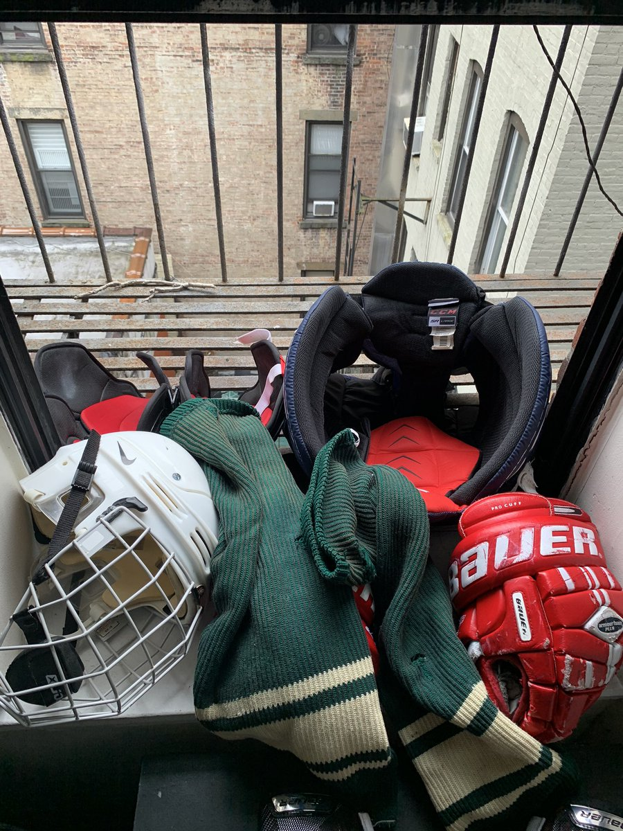 Sunny day in #nyc? Time for the fire escape drying rack. We all know you've done it too. #nycgha #lgbt #lgbtathletes #gaysports pic.twitter.com/QeFJ0P4EFM