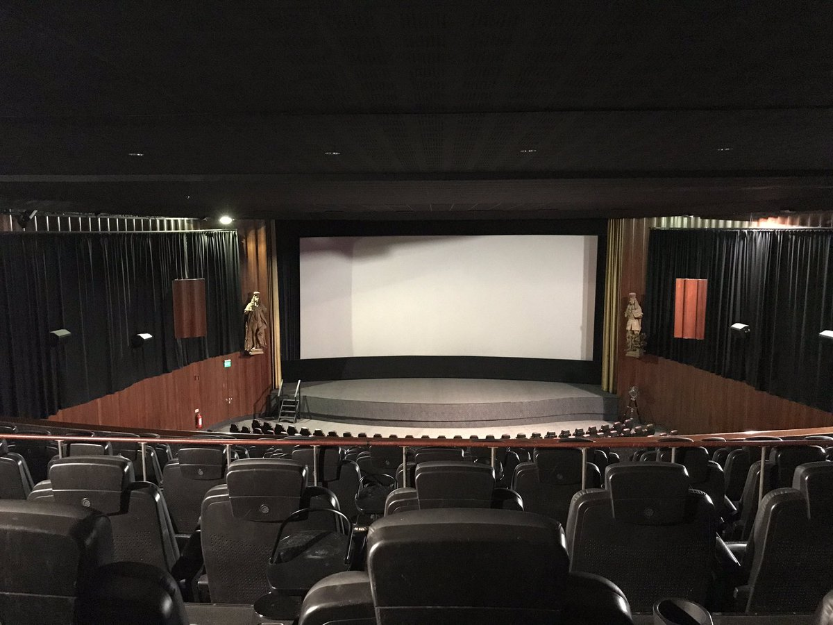 Filmstaden Rigoletto. It's Stockholms' ODEON Leicester Square. Enjoyed seeing a lot of special cinemas with their own character. #cinema. pic.twitter.com/X6n1CjIzPh