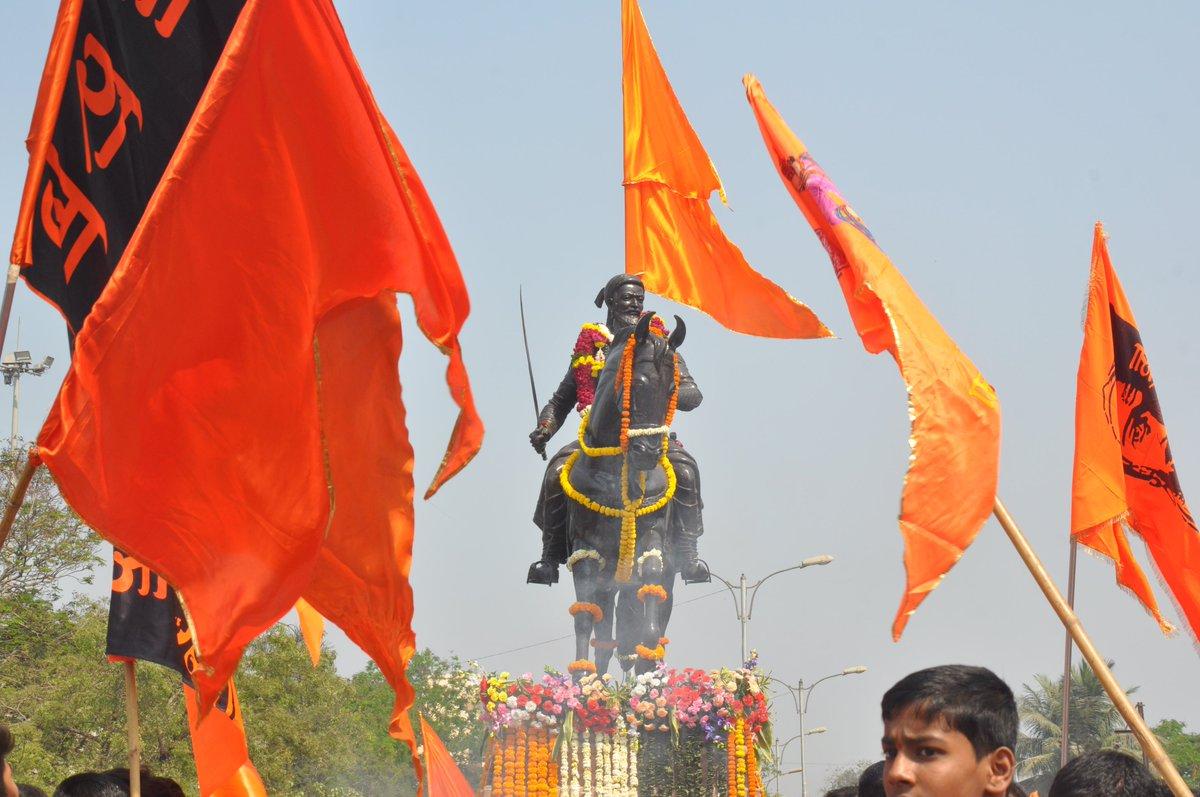 celebrating #ShivJayanti2020 in Vashi ,Navi Mumbai #randomclicks by me #JaiBhavaniJaiShivaji https://t.co/F47zmxrBrq