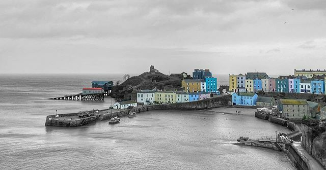 The colours of Tenby • • • • • #tenby #wales #storm #stormdennis #sea #coast #welshcoast #landscapephotography #colorpop #harbour #fishing #pembrokeshire #colourful #blackandwhite #windy #moody #dramatic #port #lifeboats #tenbylifeboat #holiday #… https://ift.tt/2SEMqVq pic.twitter.com/Hy77ArTKEu