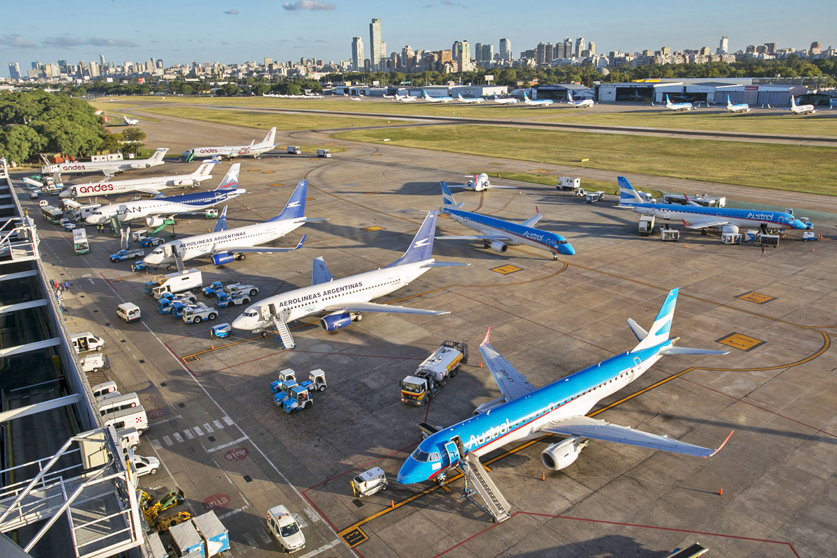 Argentine civil aviation authority officially reopens Jorge Newbery airport for new international flights from May 11. #buenosaires #aeroparque #jorgenewbery http://bit.ly/2SH3A4Bpic.twitter.com/HOyc5fXgdR