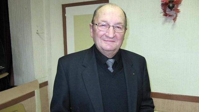 Municipales 2020: le maire d'une petite commune de l'Orne s'apprête à prendre sa retraite après 43 ans de mandat http://bit.ly/2SJKStrpic.twitter.com/gR9RQs7Uaz