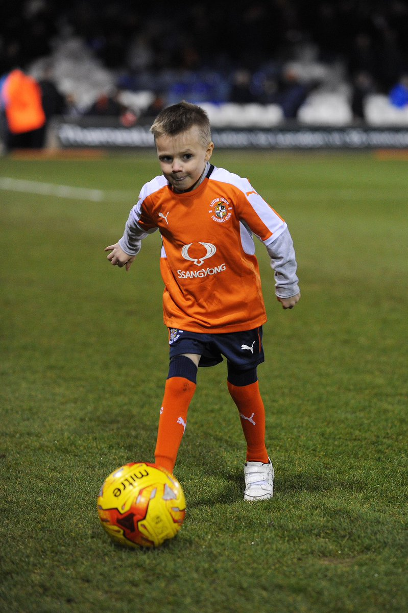 We are saddened to learn that Ethan Matthews has passed away, aged 8.   From when he first came as mascot 2 years ago, Ethan has put up such a fight, serving as inspiration to us all. The thank you gift he made us sits proudly in our Trophy Room.  Sleep well, little man 🧡  #COYH https://t.co/oMcig9rxIK