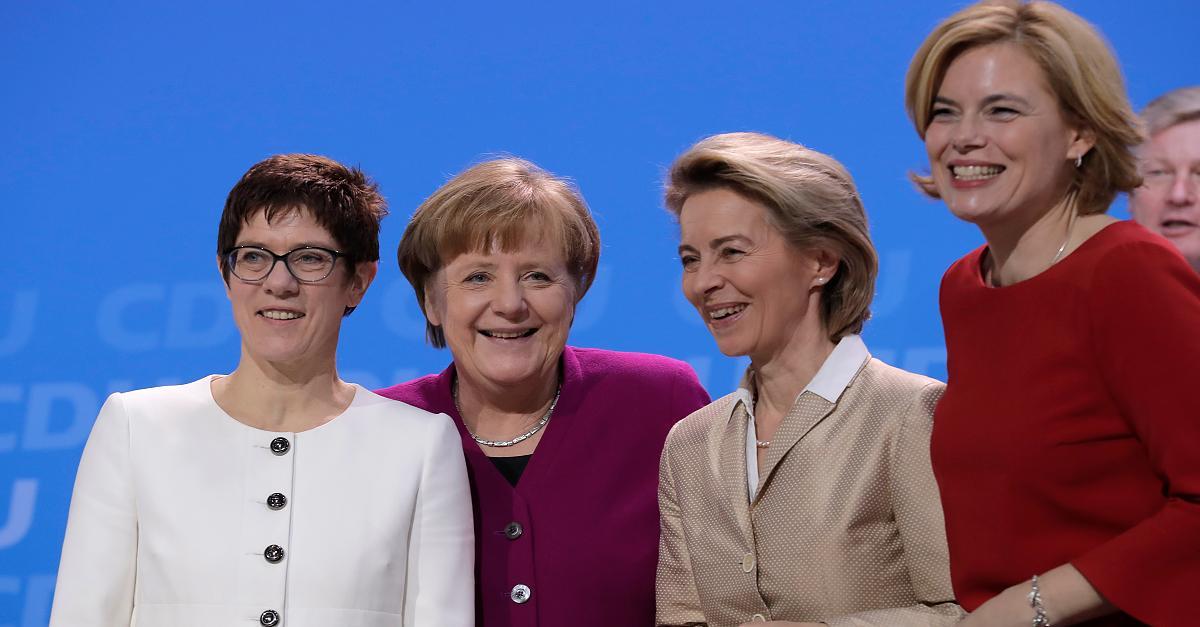 Gastbeitrag von Birgit Kelle - Genderdebatte um Vorsitz: Die CDU braucht kein gemischtes Doppel an der Spitze http://dlvr.it/RQLmP8pic.twitter.com/nOUcndaFB1