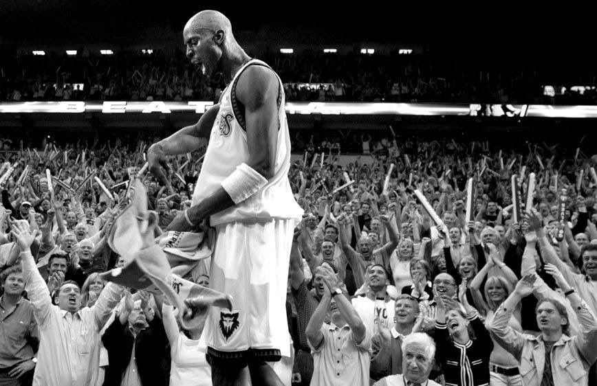This time 5 years ago, @KevinGarnett5KG came home 🐺