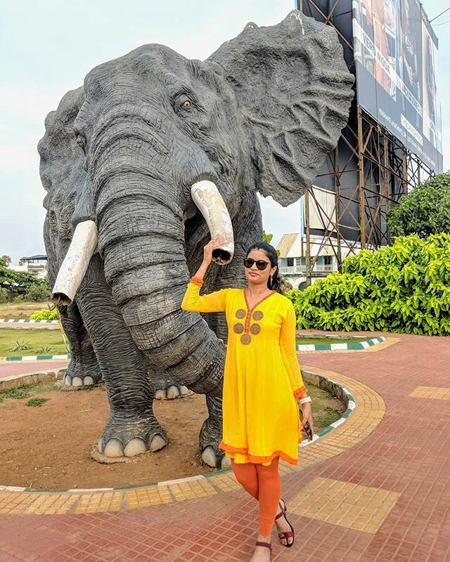 🐘 I have seen plenty of elephants when we visited Africa, and this is the only closest I could go to 😎 #throwback . . . . . #indiatrip #visakhapatnam #vizag #beachroad #love #vacation #cityofdestiny #vizagdiaries #home #travelgram #lovefortravel #hol… https://ift.tt/3bTn7GP
