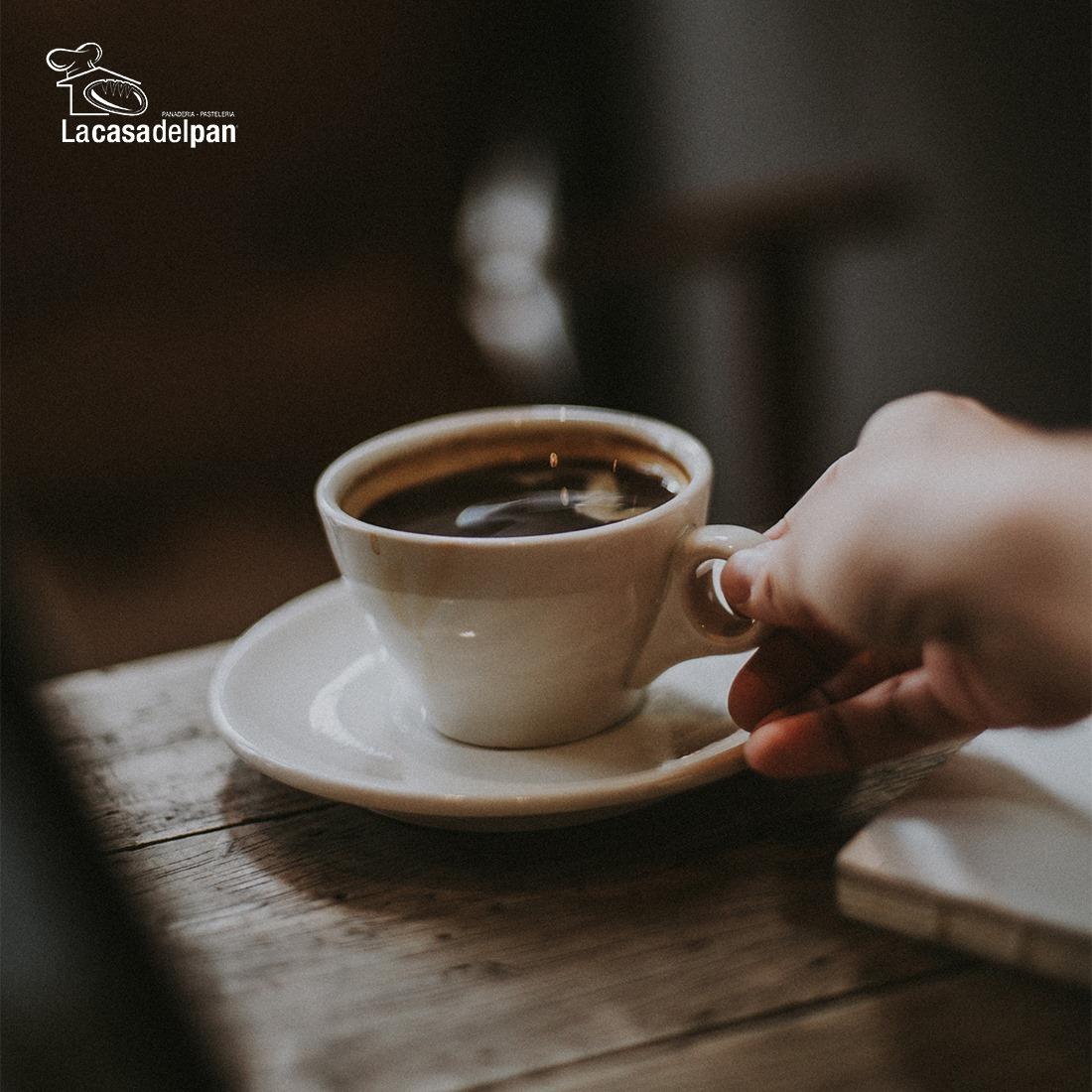 For cold days a good cup of coffee is the perfect option! 908-352-4860 | 550 D North Ave Union Township | http://www.lacasadelpannj.com - Para los días fríos un cafecito caliente siempre cae bien. ☕☕ - #Coffee #LaCasaDelPanbakery #NewJersey