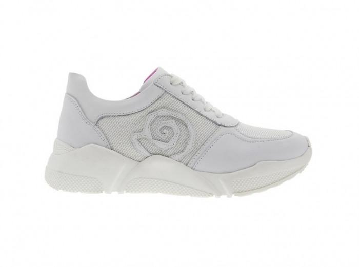 Já conheçes as tendências em sapatos 2020? http://ow.ly/FHUm30qhEKOpic.twitter.com/R4C9u70mXn