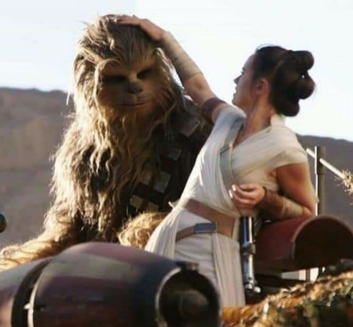 A fun behind-the-scenes moment with Daisy and I while filming #TheRiseOfSkywalker. Wookiees appreciate a friend that fixes their hair! Thanks to the fans who tagged me in the pic, Im not sure where it was originally posted, but its a moment I remember like it was yesterday.