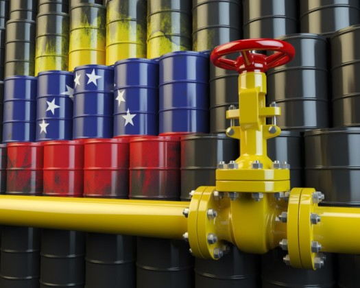 #Florida Delegation Backs Sanctions on Russian Oil Company Backing the Maduro Regime:  https://www. floridadaily.com/florida-delega tion-backs-sanctions-on-russian-oil-company-backing-the-maduro-regime/  …  #Venezuela #MaduroRegime #sanctions<br>http://pic.twitter.com/Fe4f5jGGVN