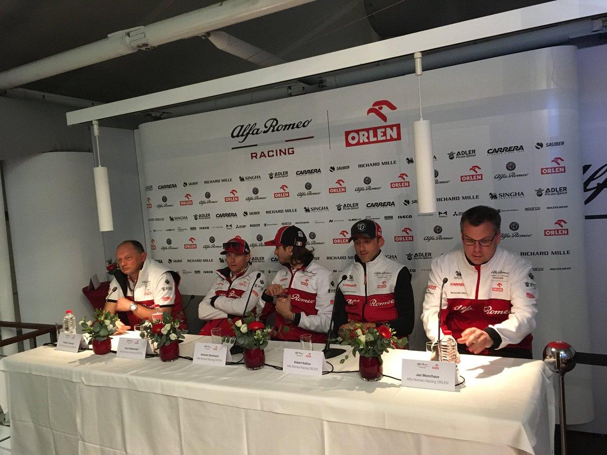 """#Kubica: """"Test nowego auta zawsze jest ekscytujący. Wróciłem do domu, do fabryki, od której zaczynała się moja przygoda z F1. Samochód różni się od tego, do czego przywykłem przez dwa poprzednie sezony...."""" #ElevenF1"""
