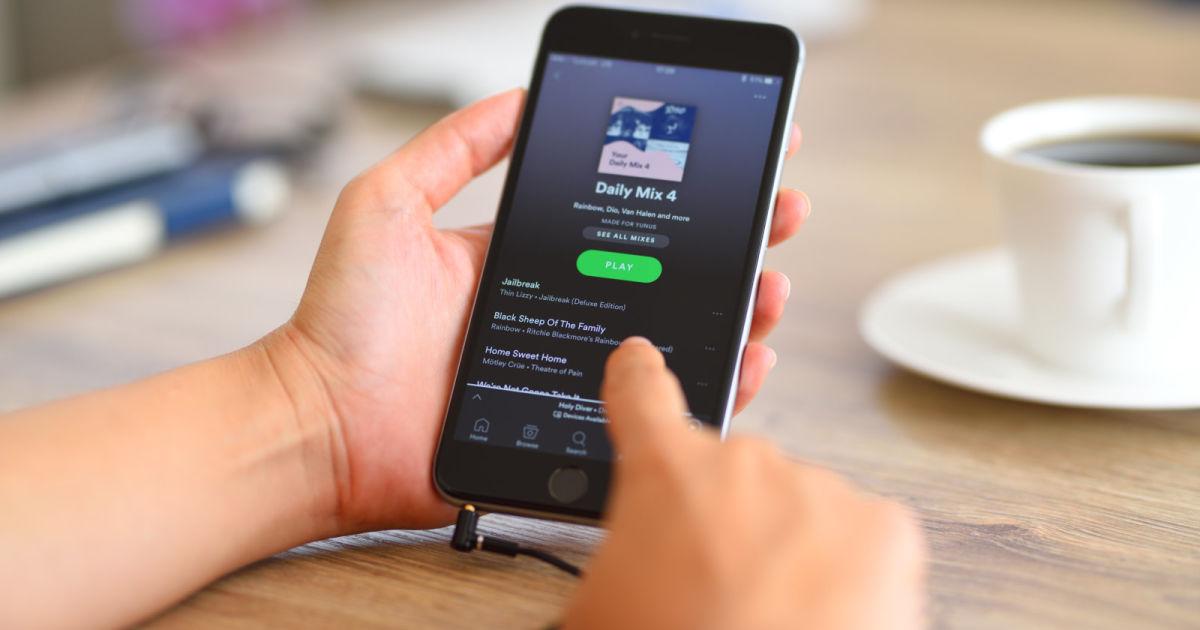 Spotify is testing real-time lyrics